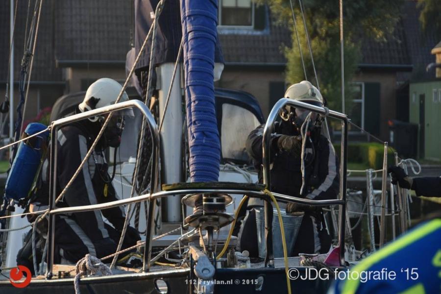 Brand op kruiser in Jachthaven