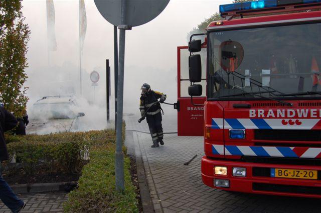 Voertuig brand uit in Drachten
