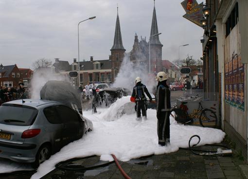 Drie auto's in brand op Lemmerweg te Sneek