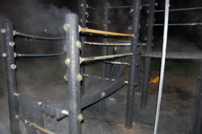 Speeltoestel verwoest door brand