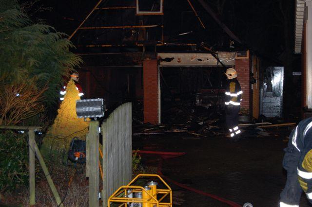 Garage brand volledig uit in Boornbergum