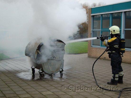 Containerbrandje bij school in Dokkum