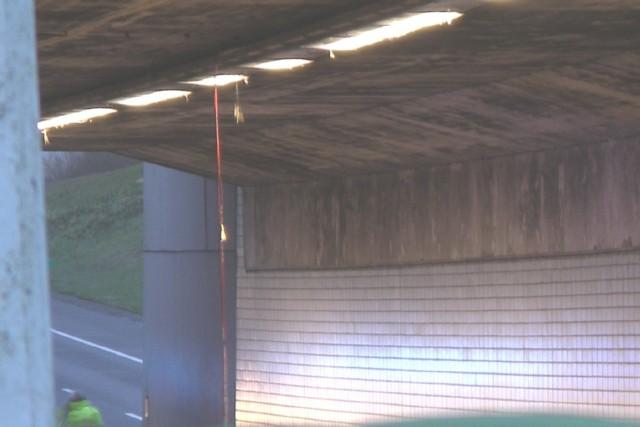 Twee rijbanen onder Mid Fryslan aquaduct bij Grou afgesloten