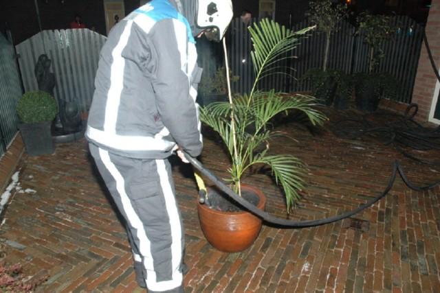 Woningbrand Sint Nicolaasga blijkt broeiende plant.