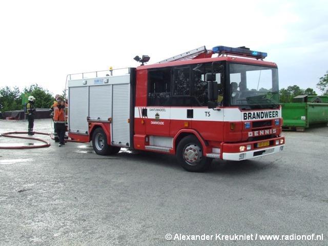 Containerbrand bij overslagstation Damwoude