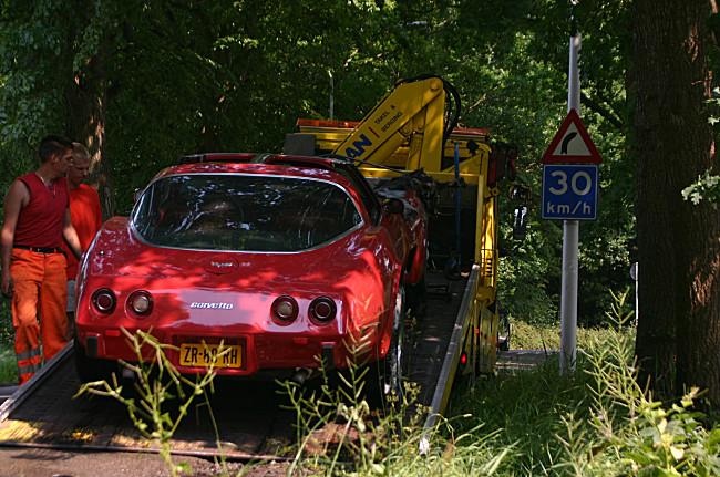 Corvette brand uit aan de Postlaan in Drachten (+ Film)