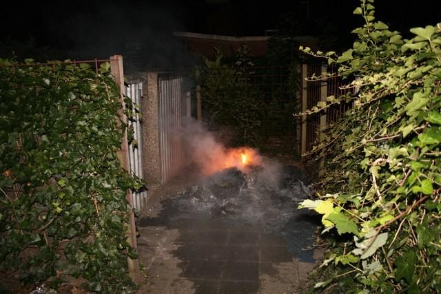 Buitenbrandjes houden Leeuwarder brandweer bezig