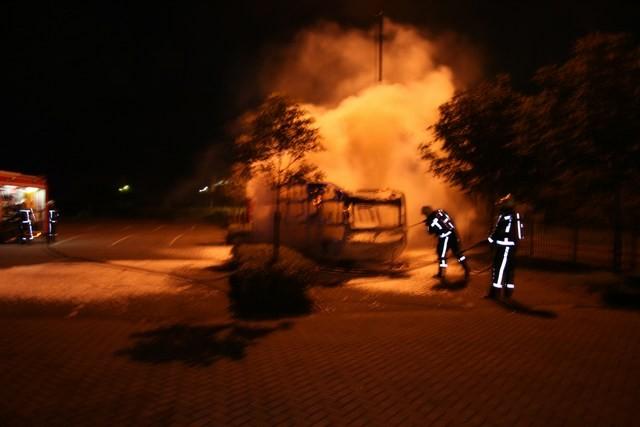 Caravan brand uit op Fryslanplein