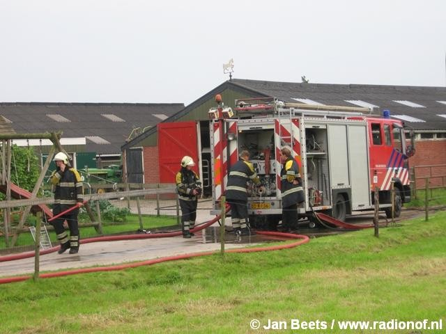 Brand in oude stal nabij Augustinusga
