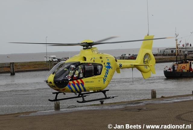 Dag van de garnaal in haven Lauwersoog