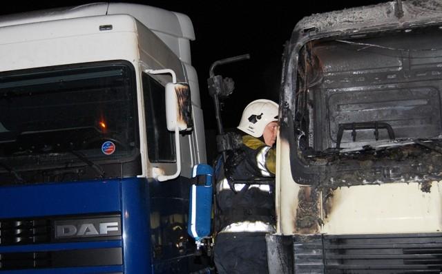 Vrachtwagen brand geheel uit