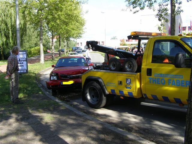 Frontale aanrijding tussen twee auto's