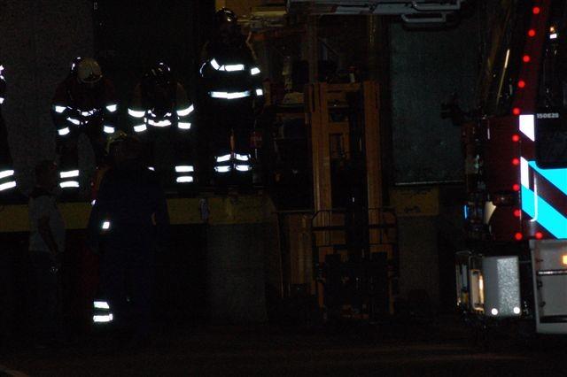 Heftruck in brand bij distributiecentrum van de Aldi