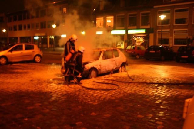 Auto brand uit op Cambuurplein