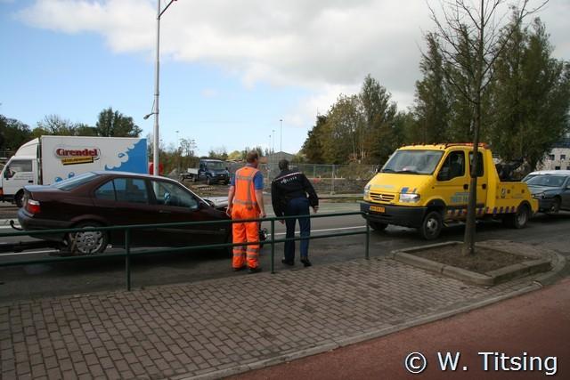 Vrachtauto en twee auto's betrokken bij aanrijding