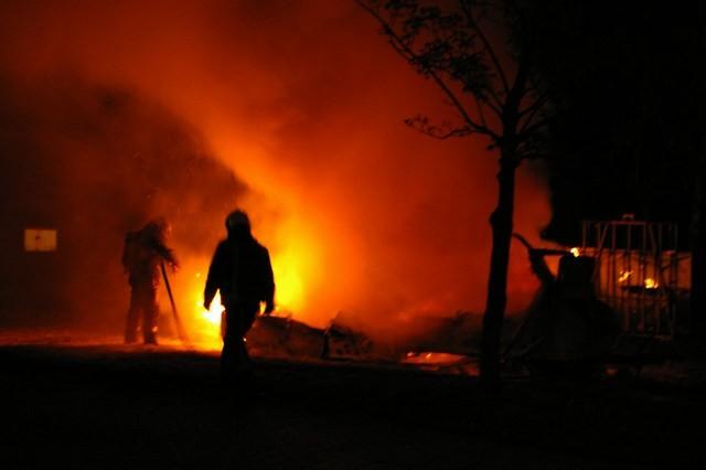 Caravan verwoest door brand