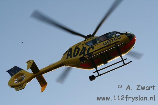 Traumahelikopter assisteert bij val van zolder ( FILM )