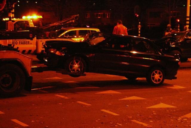 Twee auto's zwaar beschadigd bij aanrijding