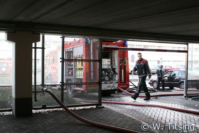 Brandweer oefent op helidek bij het MCL