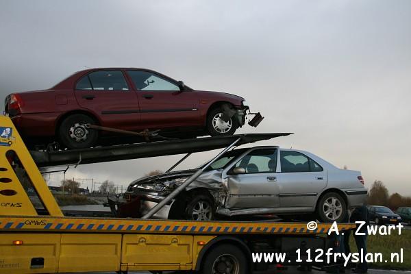Auto's botsen bij Akkrum