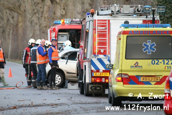 Automobilist overleden bij ongeval Langwarderdyk (FILM ONLINE)