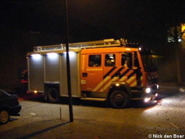 Brandweer blust containerbrand Klipperstraat