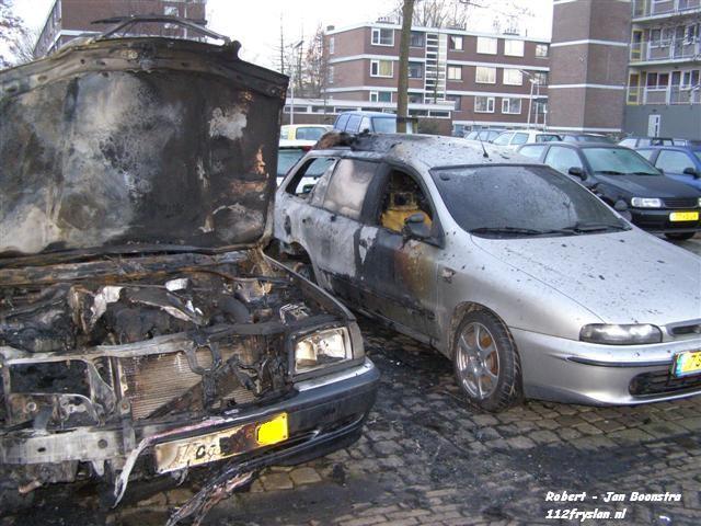 Voertuigen in brand Leeuwarden
