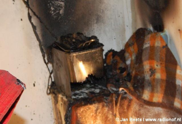 Bijkeuken uitgebrand na vlam in de frituurpan