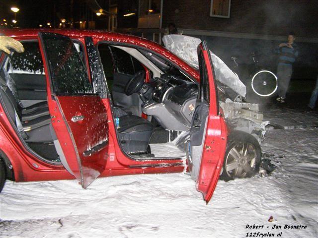 Auto brand uit in Populierstraat
