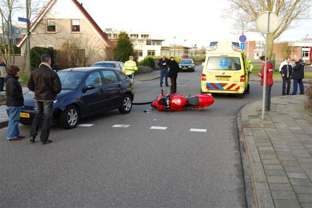 Motor versus auto Beatrixstraat