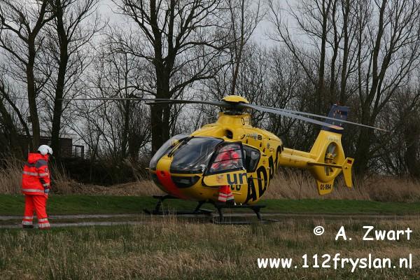 Traumateam assisteert ambulance bij Offingawier (FILM)