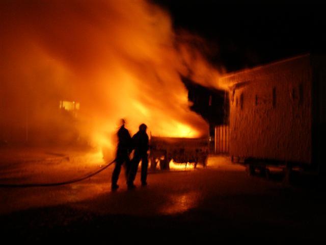Caravan brand uit op woonwagenkamp Leeuwarden