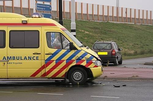 Ambulance betrokken bij aanrijding