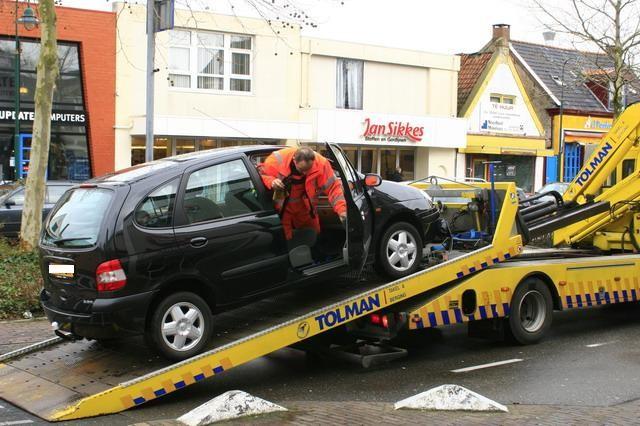 5 auto's aangereden door onwelwording