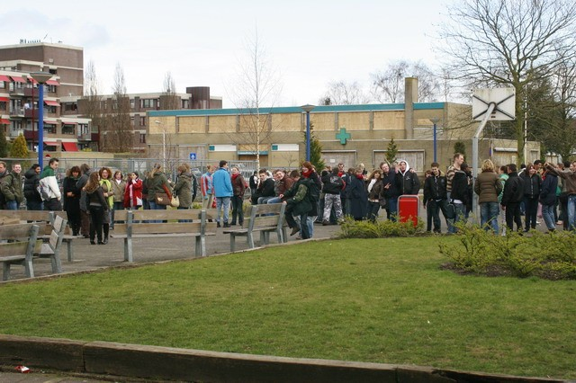 School ontruimd na gaslucht. (FOTO)