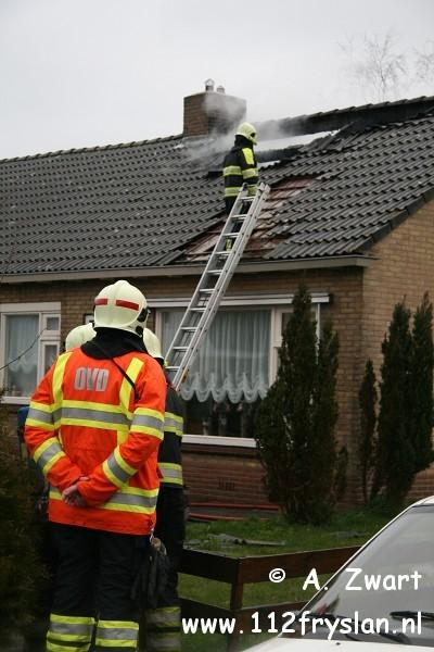 Woningbrand in Tijnje ( video ) ( update )