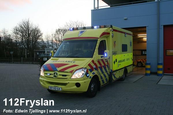 Nieuwe ambulance voor UMCG post Leeuwarden (video)