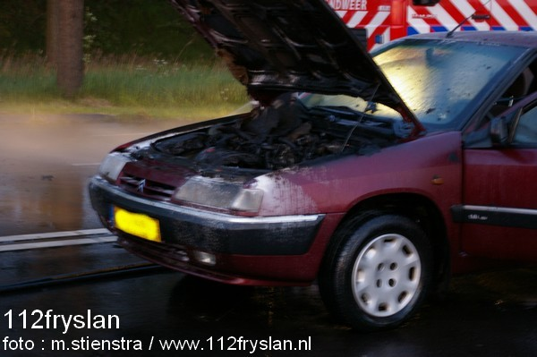Auto in de brand Leeuwarden