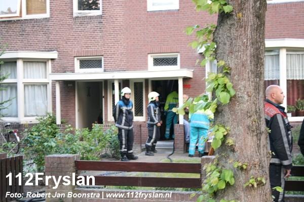 Man en vrouw gered uit woning vol rook *FOTO UPDATE*