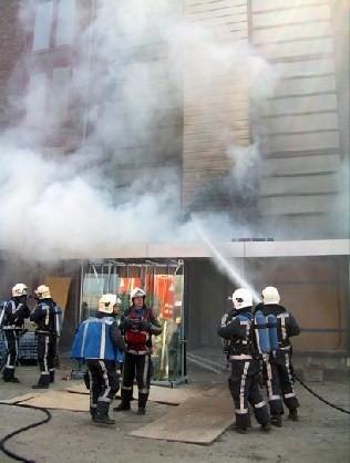 Dak in brand bij pand in aanbouw