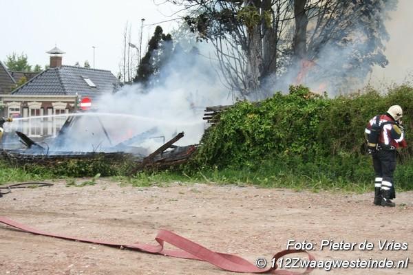 Hok afgebrand achter leegstaand café