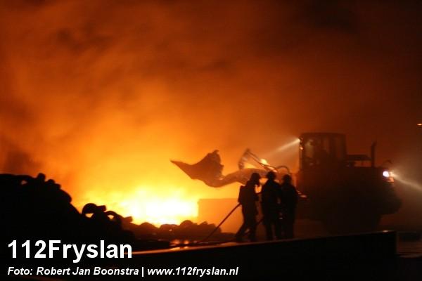 Opnieuw grote brand Newtonweg Leeuwarden (UPDATE)