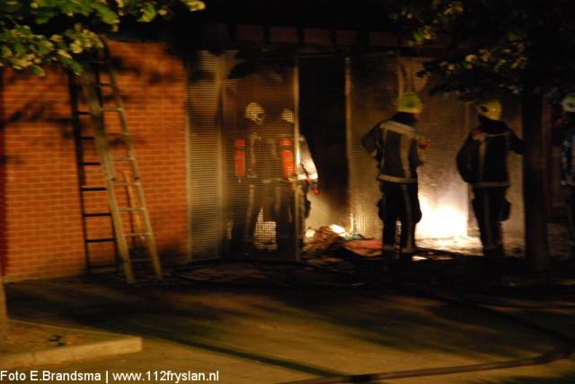 Opslagruimte van school uitgebrand(UPDATE Foto's binnen!)