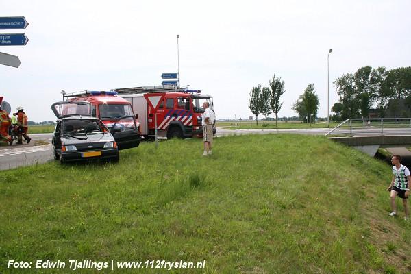 Passagier bekneld in auto na aanrijding *Foto update*