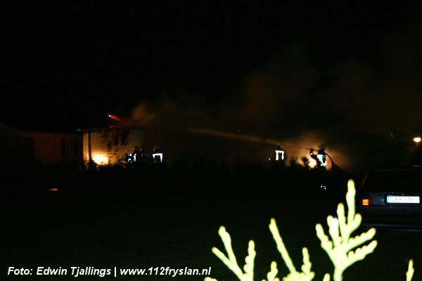 Uitslaande brand verwoest chalet op camping