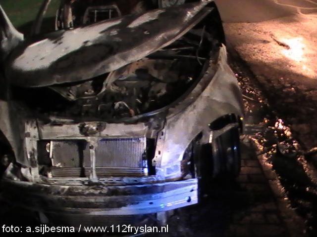 Auto brand uit in Franeker ( foto update)