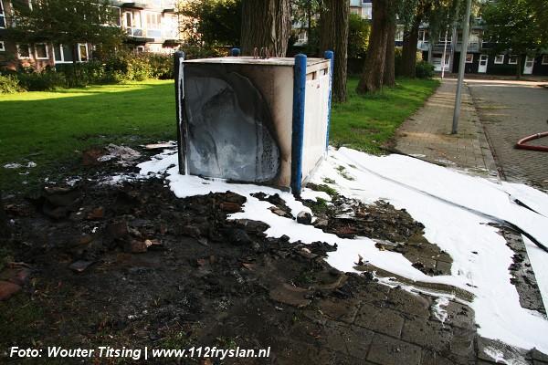 afval en container in brand