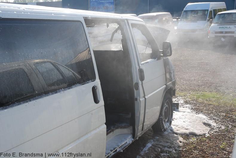 Brand verwoest VW bus
