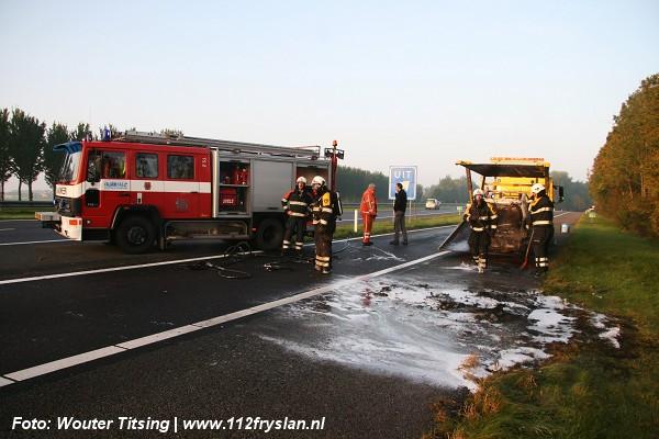 Smart verwoest door brand op A31 (video)