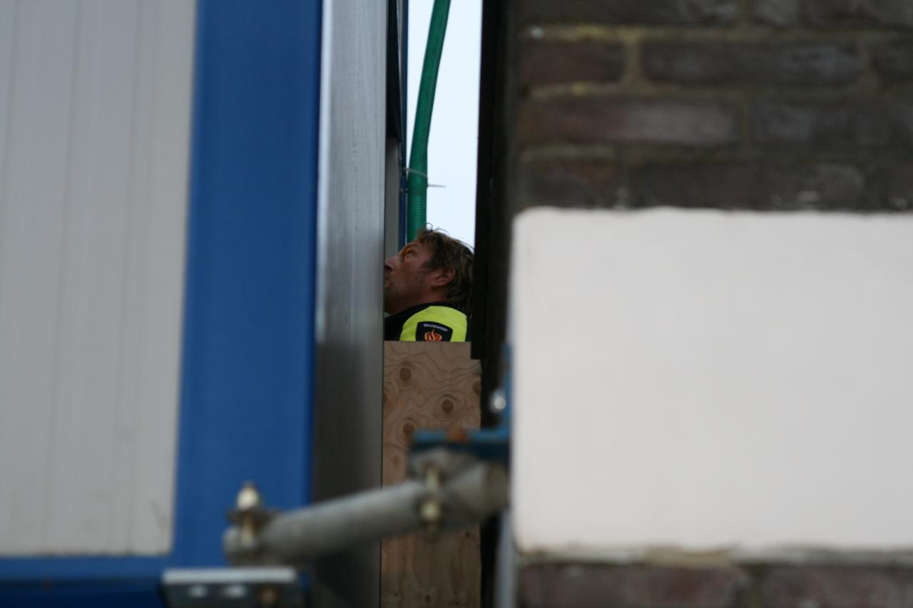Jongetje vast in bouwlift